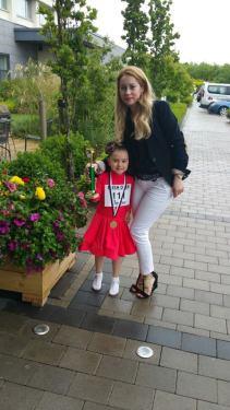 Under6 winner Erika with happy mother Natalia :)